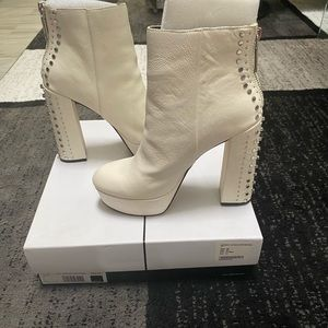 Brand New! Sold Out! Dolce Vita Liv Bootie